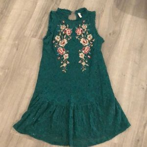 Green sleeveless embroiled dress small